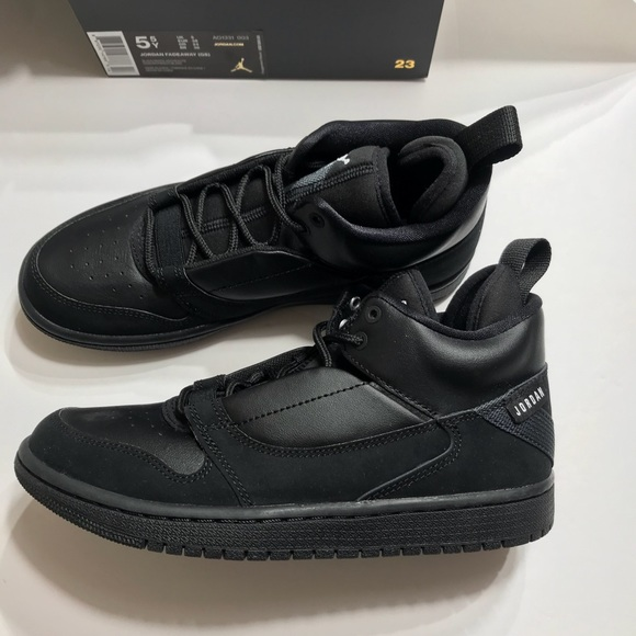 new concept 2bb51 78de9 🆕 Jordan Fadeaway Sneakers Boys Black NWT